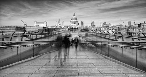 Millennium Bridge by NachoRomero