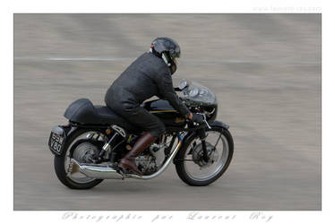 Velocette Thruxton - 001 by laurentroy