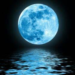 blue moon by Unawaregts666
