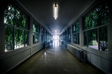 Hospital's corridor by zardo