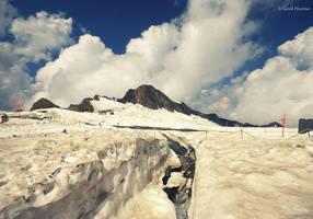 Snow Mountain by uae4u