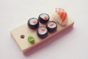 Sushi by Kyandi-charms