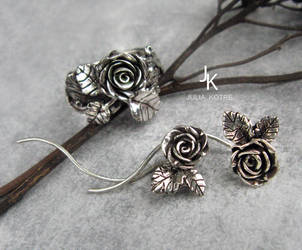Cast silver rose set by JuliaKotreJewelry