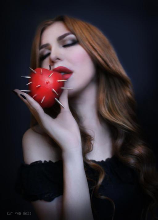 Kat-von-Rose's Profile Picture