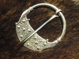 Viking pennanular brooch by Aranglinn