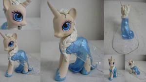 Elsa by assassin-kitty