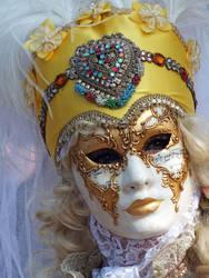 Golden eyes by territoires