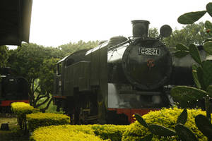 antique train by kahfi92