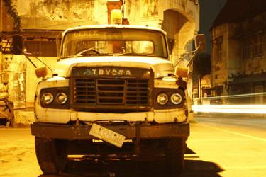 antique truk by kahfi92