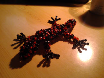 Black and red leopard gecko made of pearls2 by SzEszter96
