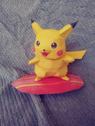 Surfing Pikachu papercraft by Amber2002161