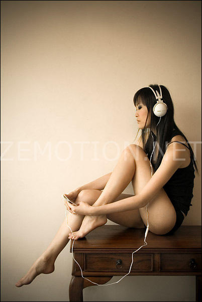 Headphones are Stylish. by zemotion