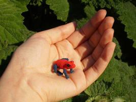Strawberry poison dart frog (OOAK) by LunasCrafts