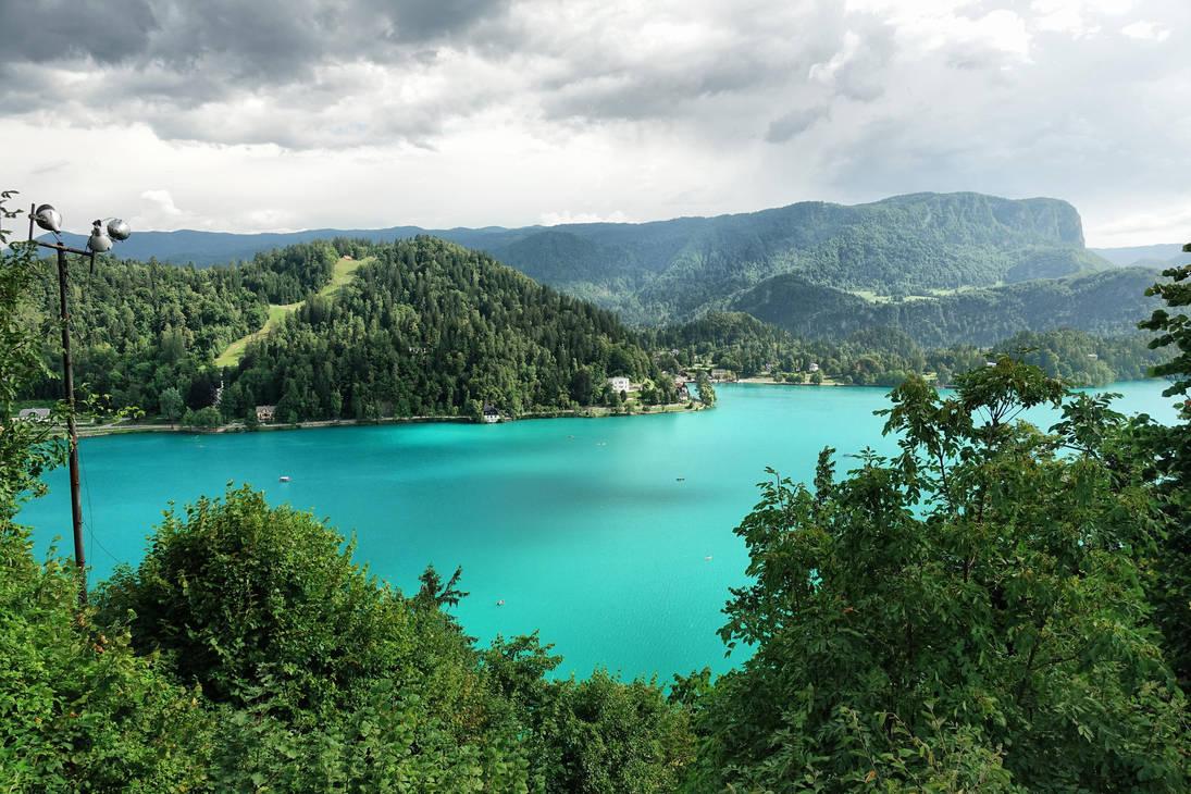 Blejsko Jezero, lake near Bled by ThePraiodanish