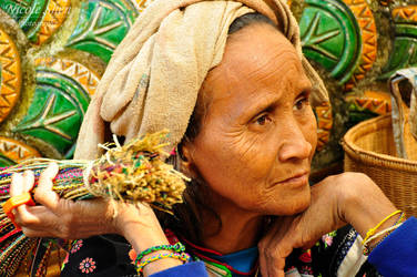 Lahu Woman by nicoleshen