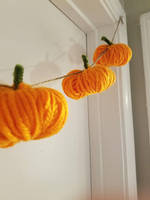 Yarn Pumpkin Plushie Garland by Sleepy-Stardust