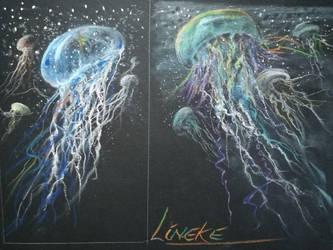 Jelly Fish in the sea by Lineke-Lijn