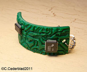 Circuit board bracelet by skuggsida