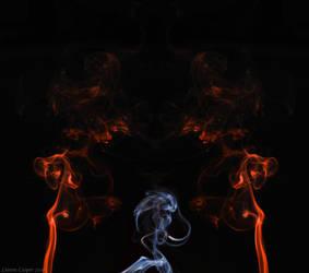 Alien and smoke by insanedoodler