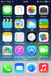 iOS 7 Beta 1 - Homescreen by NicklasAndersen