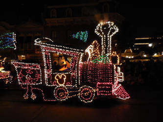 Main Street Electrical Parade: Goofy by FlowerPhantom