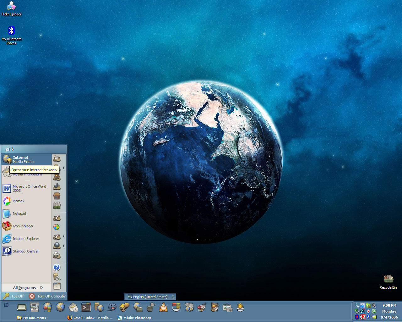 Yellow Alien Windows Desktop by jark
