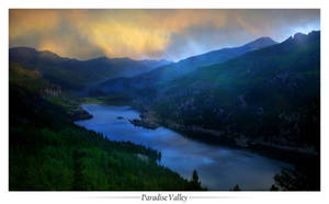 Paradise Valley by randomsurprise