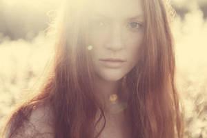 Autumn Sun by annikenhannevik