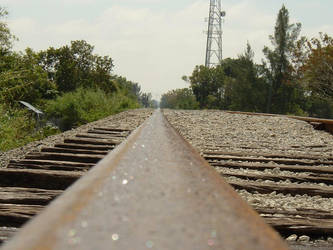 sparkly train tracks by kitsolidor