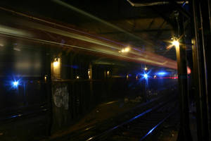 Eerie New York Subway by aaronactive