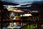 Sunrise over the Ferris Wheel by aaronactive