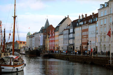 Nyhavn Canal by Sarahorsomeone