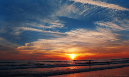 Ocean Sunset. by Sparkle-Photography