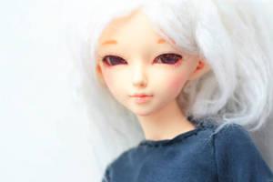 white hair by da-bu-di-bu-da