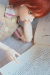 reading boy by da-bu-di-bu-da