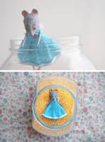 mouse in a blue dress by da-bu-di-bu-da