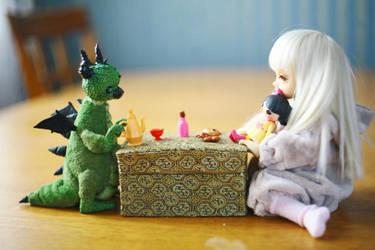 taking tea with green dragon by da-bu-di-bu-da