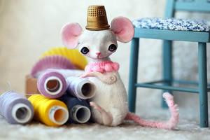 white mouse by da-bu-di-bu-da