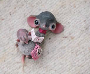mouse-nanny by da-bu-di-bu-da