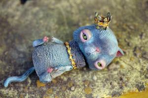 royal grumpiness by da-bu-di-bu-da