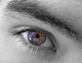 Lost into your eyes.. by Sakura-maeko