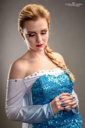 Elsa is back!! by GlowingSnow