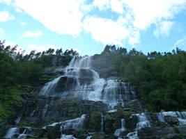 Waterfall by hayahayaha