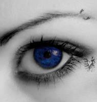 Behind blue eyes by savemybleedingheart