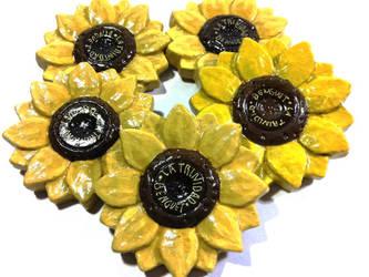 sunflower (ref. magnet) by arpeelapena