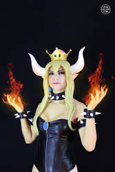 Bowsette Cosplay from Super Mario Bros. 2 by Enolla