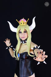 Bowsette Cosplay from Super Mario Bros. 3 by Enolla