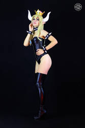 Bowsette Cosplay from Super Mario Bros. 5 by Enolla