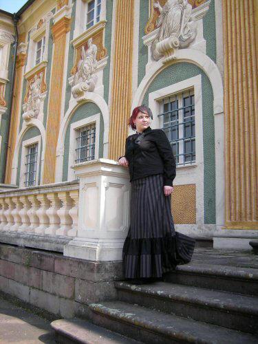 Elegant Gothic Aristocrat by miaka-yuuki