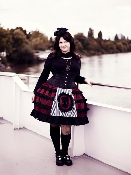 Cameo Skirt by miaka-yuuki